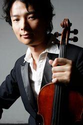 Hiroaki Yura