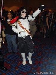 Cosplay Triple-Play: Stormtrooper + Michael Jackson + Zombie!