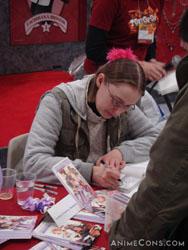 Svetlana Chmakova signs autographs